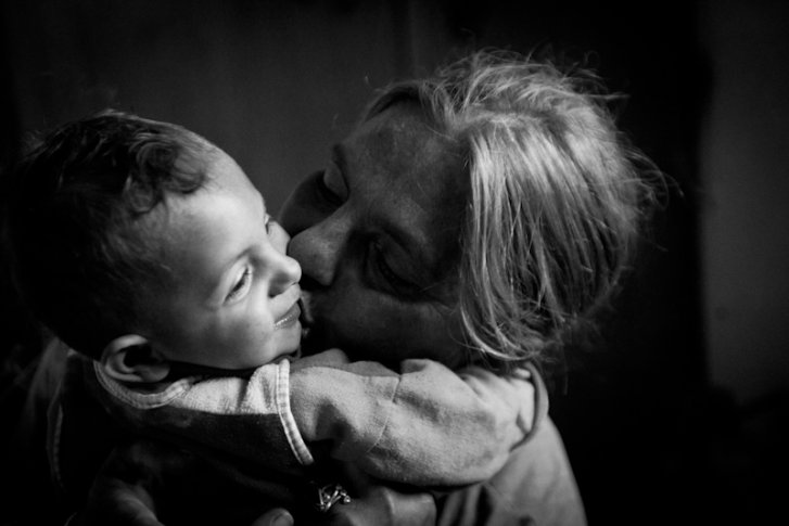Kosovar refugee woman and grandchild in Montenegro
